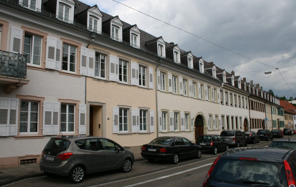 Pressemeldung zur Übergabe der Huttenstraße 15 – Unterschriftenlisten an die BürgerStiftung Bruchsal